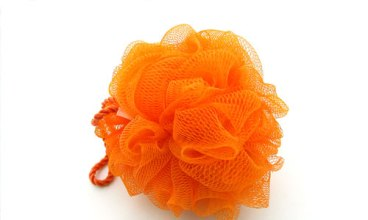 6-benefits-of-scrubbing-with-a-loofah