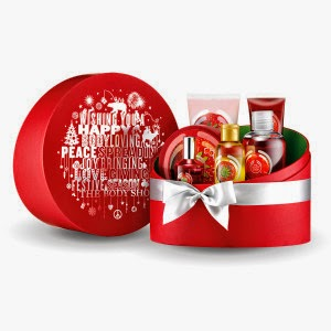 a6fe0-the-body-shop-strawberry-holiday-gift-set-300x300