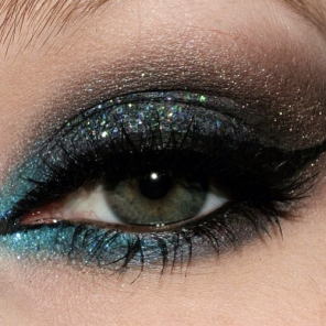 90479-37462-glitter-eyeshadow