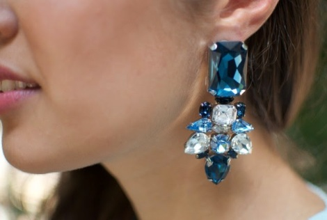 5d8c6-diy-rhinestone-statement-earring-029-e1365261878451-640x431