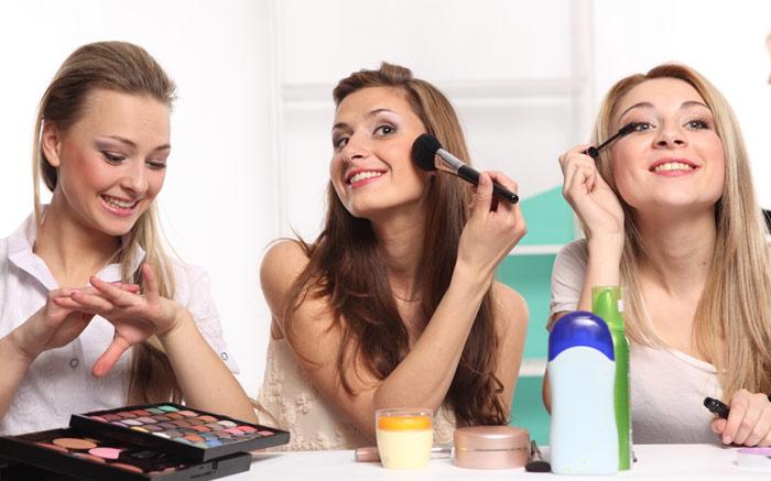700-friends-makeup-beauty-women-woman-friends-girlfriends