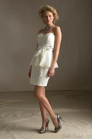 sweetheart-neckline-peplum-lace-short-prom-dress