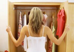 closet-girl