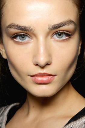 white_eyeliner