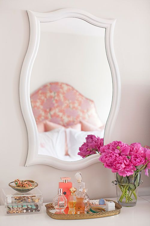 vanity table display mirror.jpg