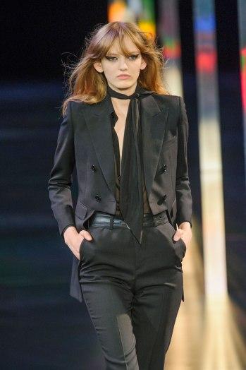 skinny scarf model suit yves saint laurent