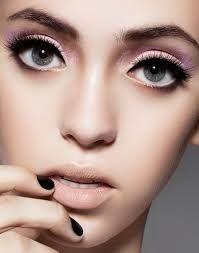 eyeliner halfway.jpg