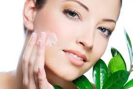 woman moisturizing