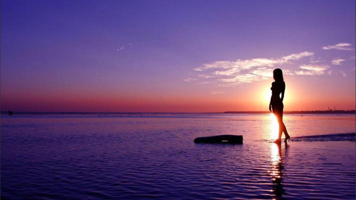 travel beach woman 2