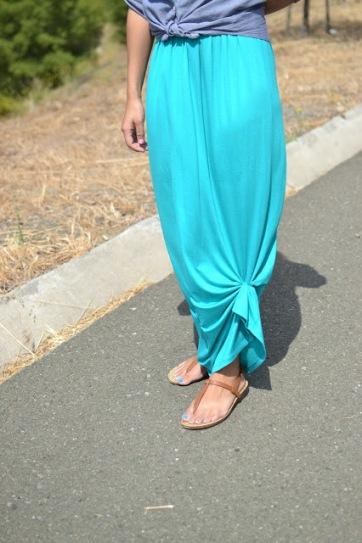 skirt-tied-hem