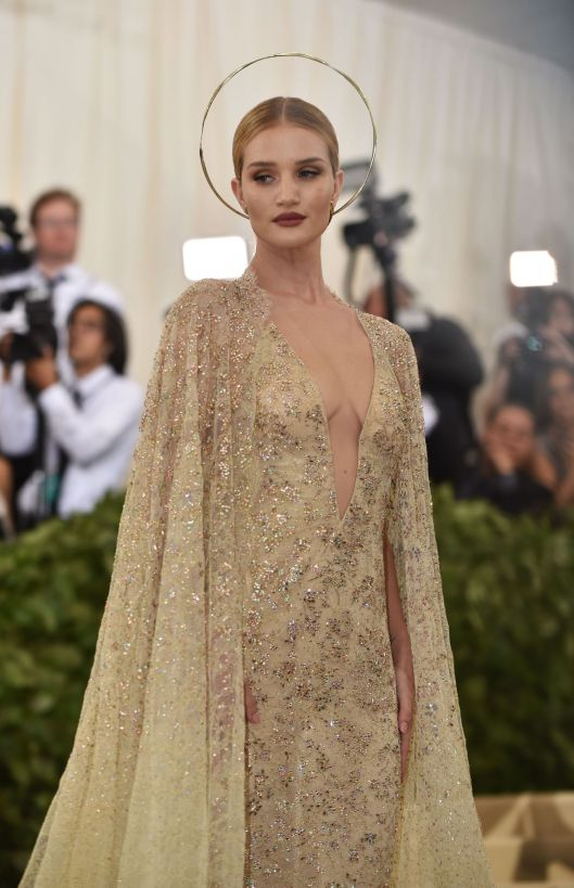 rosie-huntington-whiteley-met-gala.jpg